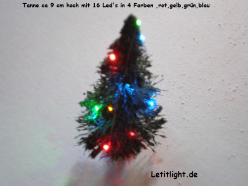 Weihnachtset with fir tree green 4 colored with 2x 8 LED